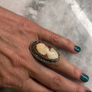 Sterling silver vintage cameo ring